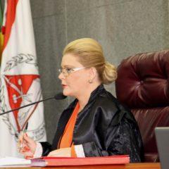 TCE-MG comunica com pesar falecimento da conselheira Adriene Andrade