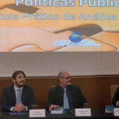 Experiência dos Tribunais de Contas na avaliação de políticas públicas compõe publicação lançada pelo Governo Federal