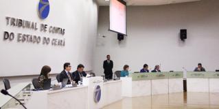 TCE-CE suspende licitação de R$ 70,7 mi para obras na Beira-Mar: exigência de propriedade de dragas restringe competitividade