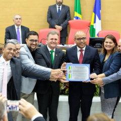Membro do TCE-RO recebe na Assembleia Legislativa título de Cidadão Honorífico de Rondônia