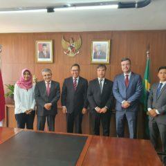 Atricon e Abracom se reunem com Embaixador da Indonésia