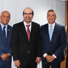 TCE-BA empossa dirigentes em sessão solene