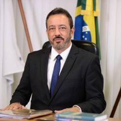 Licitações e contratos: Renato Rainha participa de debate